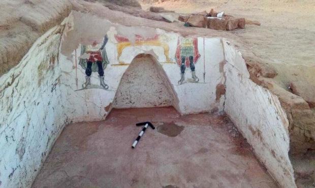 اكتشافُ مقبرتين من العصر الروماني في الصحراء الغربيّة بمصر