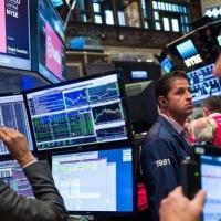 رفضُ اتفاق الانفصال البريطاني يُفيد الأسهم والبنوك الأوروبية