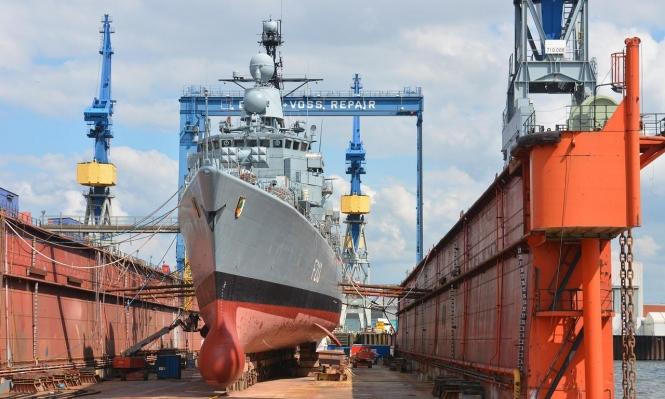 إيطاليا وفرنسا تتنافسان على تصدير الأسلحة البحرية لدول المنطقة