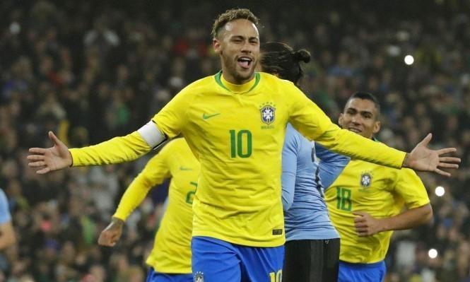 نيمار يطمح لقيادة البرازيل إلى مونديال قطر