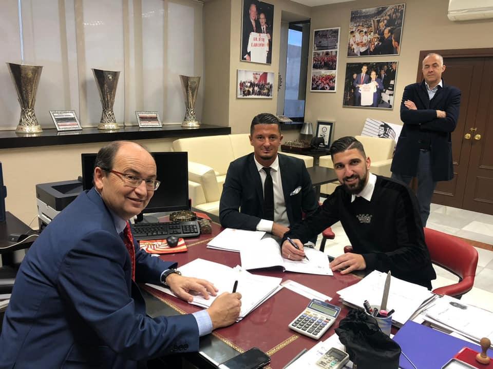 رسميا: النصراوي دبور لاعبا لإشبيلية الإسباني