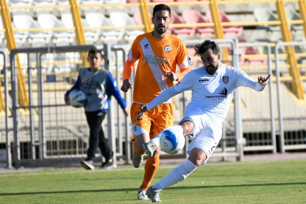 الفرق العربية تعود لتذوق الخسارة في الدرجة الممتازة