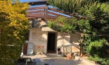 السبت في طرعان: عائلة تهدم منزلها بأيديها
