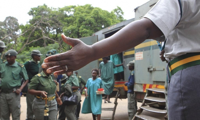 حكومة زيمباوبوي تقطع الإنترنت قمعًا للاحتجاجات
