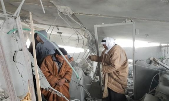 الخليل: الاحتلال ينسف منزل عائلة الأسير جبارين