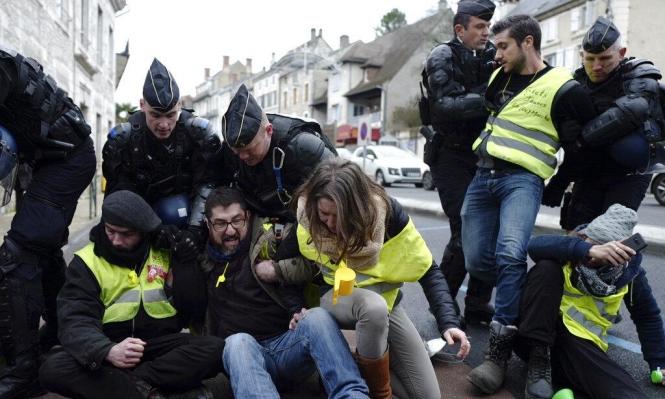 """""""السترات الصفراء"""" في الشوارع رغم """"الحوار الوطني الكبير"""""""