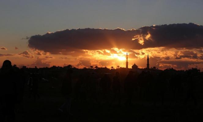 غروبُ الشمس في غزة