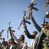 تحالف السعودية يقصف صنعاء والحوثيون يهددون بالرد