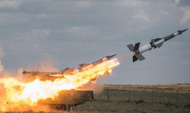 """""""سانا"""": الدفاعات الجوية السورية تتصدى لغارات إسرائيلية"""