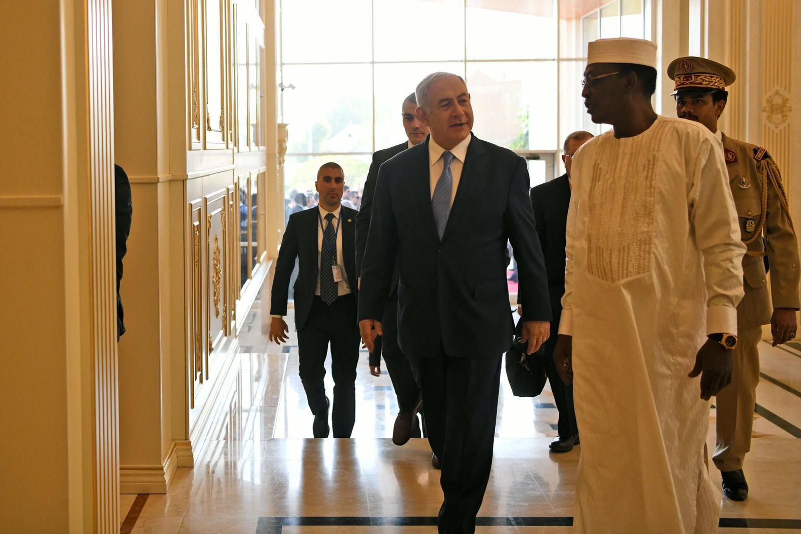 قناة إسرائيلية: نتنياهو سيعرض على تشاد حماية حدودها مع ليبيا 20190120111150