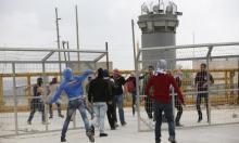 اقتحامات ومواجهات في ثلاثة سجون والاحتلال يخشى من التصعيد