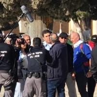 قائد شرطة الاحتلال بالقدس يقتحم الأقصى واعتقالات بالضفة
