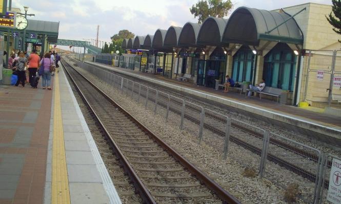 مصرع امرأة تحت عجلات القطار في عكا