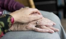 شعور الوحدة: الروتين لدى الكبار ومواقع التواصل لدى الصغار