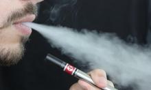 منكهات السجائر الإلكترونية قد تضر الرئة