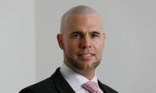 سياسي هولندي سابق يعتنق الإسلام بعد معاداته له