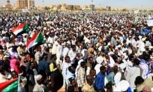 السودان: الاحتجاجاتُ مستمرّة والشرطة تعتدي على أطباء وطلاب مدارس