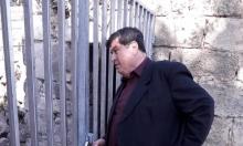 بلدية طبرية تسحب معداتها من داخل مسجد البحر