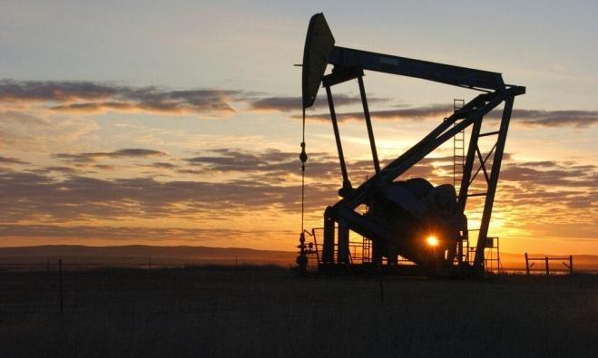 """أسعار النفط ترتفع مدفوعة بتقليصات """"أوبك"""" والعقوبات الأميركية"""