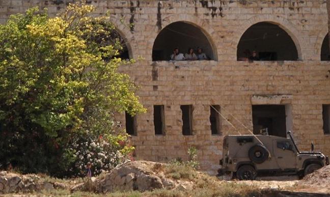 مستوطنون يقتحمون الأقصى ويستهدفون موقعا أثريا قرب نابلس