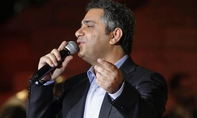 """""""ملك الإحساس"""" فضل شاكر يقص لحيته ويعود للغناء"""