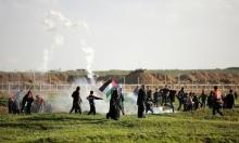 مُصاب بالرّصاص الحيّ وعشراتٌ بالاختناق باعتداءات الاحتلال في الضفة وغزّة