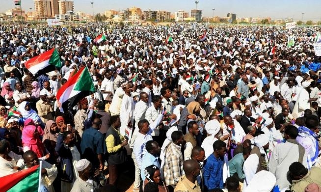 احتجاجات السودان.. عوامل استمرارها وآفاقها