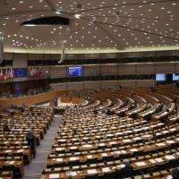 توقيف برلمانيين أوروبيين احتجوا على الأسلحة النووية الأميركية