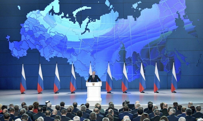 """بوتين يحذر: موسكو ستنشر صواريخ تصل """"مراكز صنع القرار"""""""
