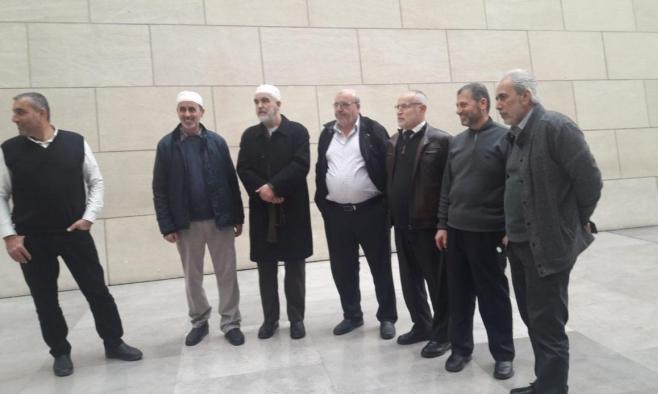 رفض طلب الشيخ صلاح باعتماد زوجته مرافقة له بالحبس المنزلي