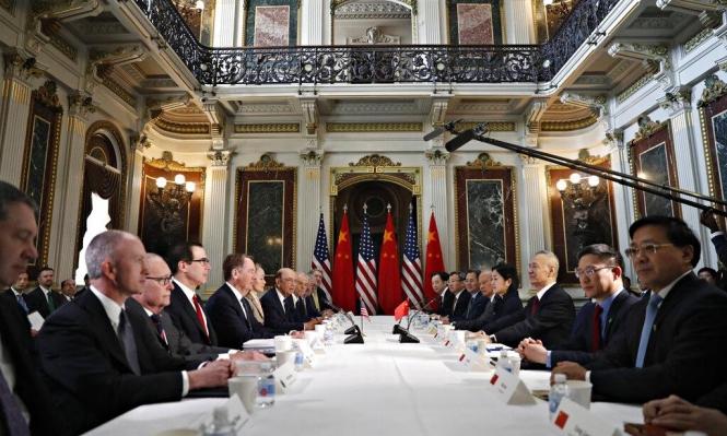 أميركا تخطر بتأجيل عقوبات جمركية على الصين لتقدّم المباحثات