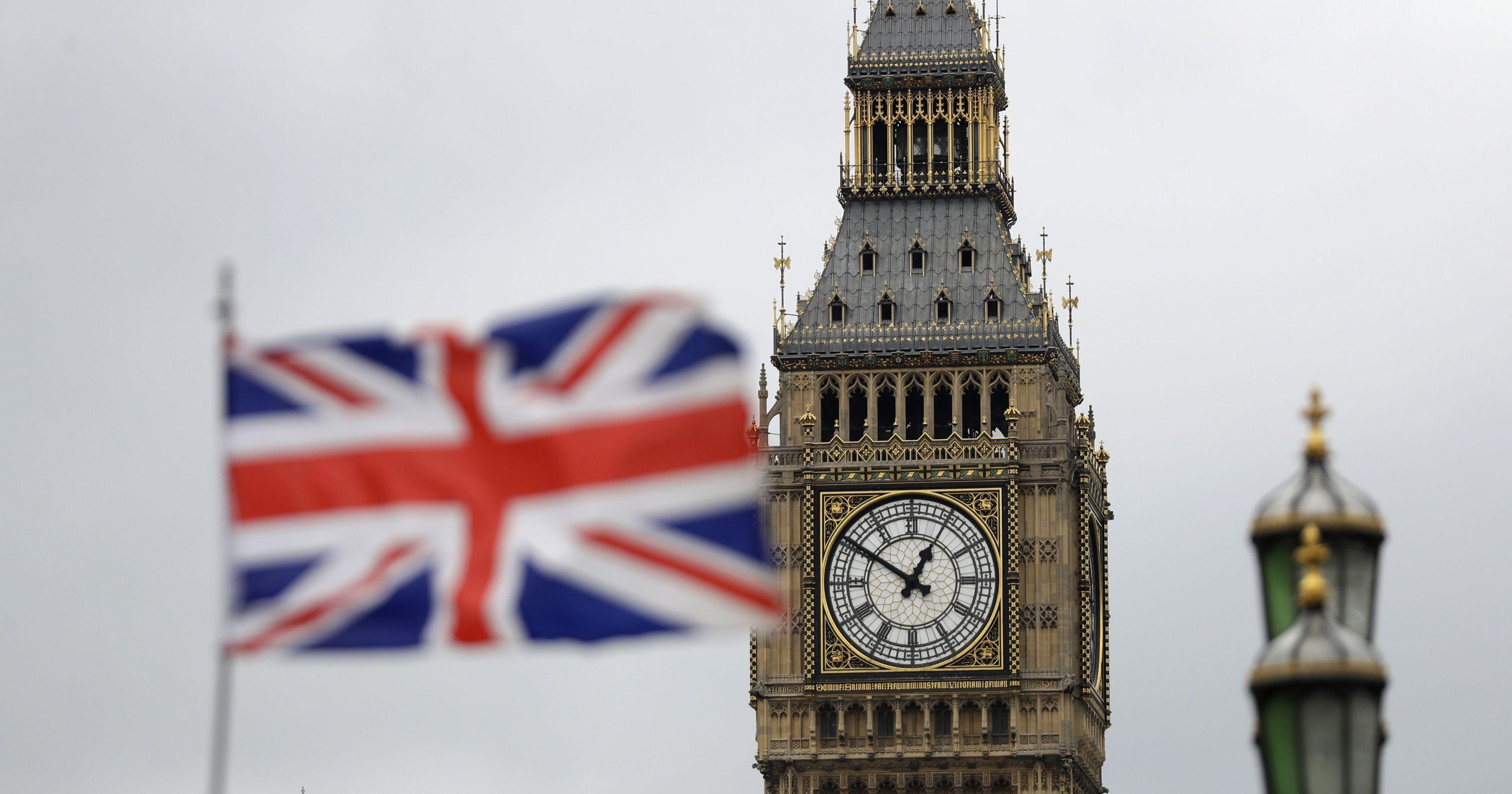 لا تشترط موافقة البرلمان البريطاني على الاتفاقيات التجارية (أ ب)