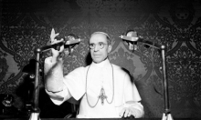 فتح أرشيف الفاتيكان حول دور البابا خلال الحرب العالمية الثانية