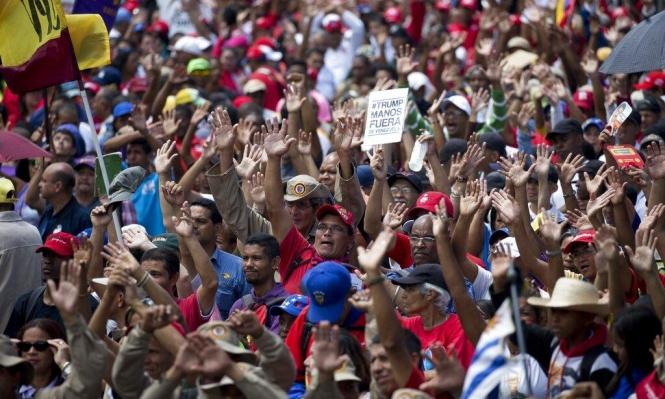 غوايدو يدعو للتظاهر ويحذر من اعتقاله عند عودته إلى فنزويلا