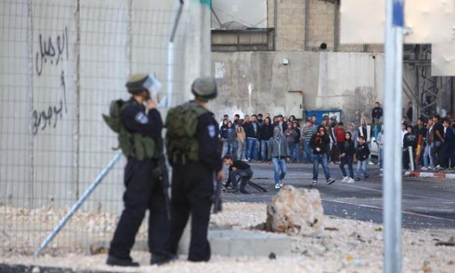 الاحتلال يعتدي على طلبة المدارس بشعفاط وإصابة العشرات بالاختناق