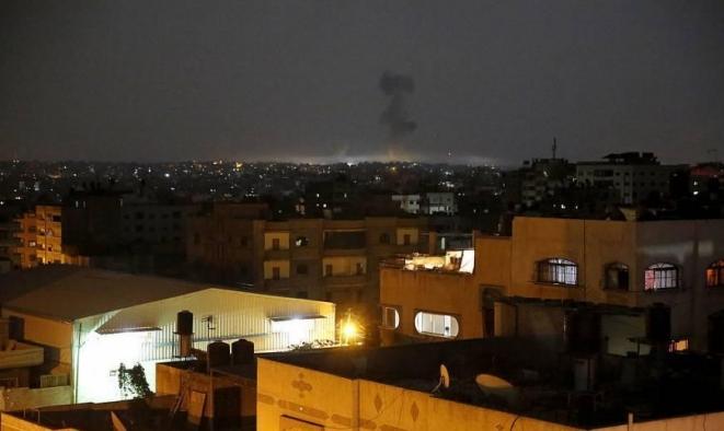 غارات إسرائيليّة تضرب موقعًا جنوب غزة