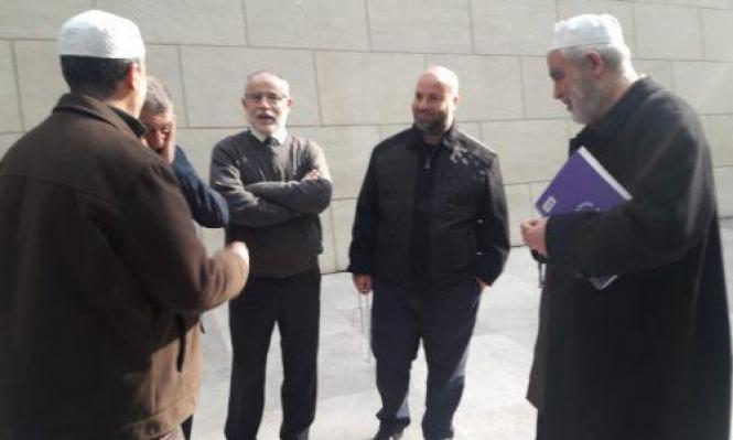 المحكمة تسمح بزيادة عدد مرافقي الشيخ رائد صلاح