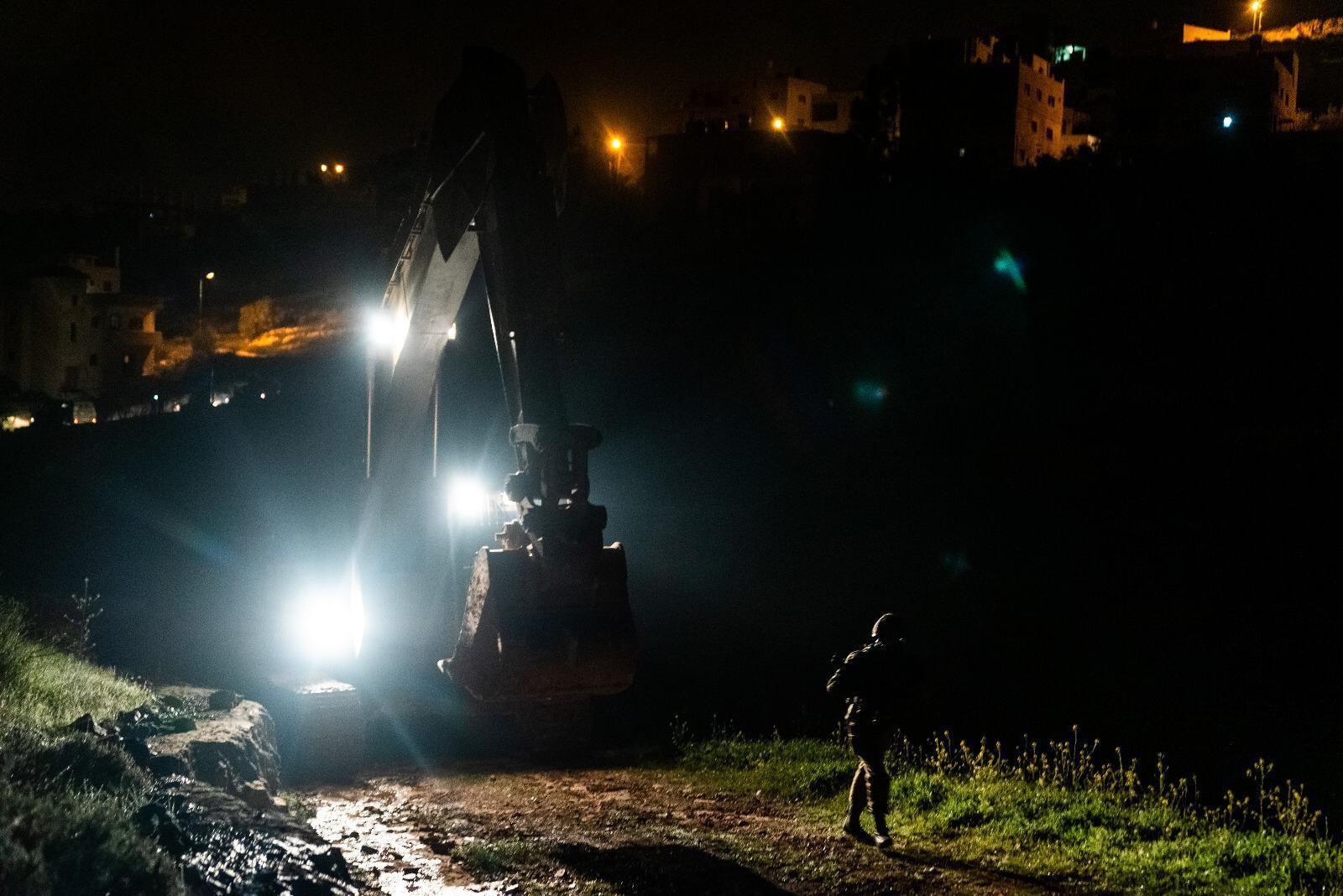الاحتلال يهدم منزل الأسير عاصم البرغوثي في كوبر