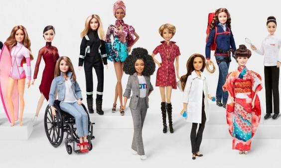"""""""باربي"""" تطلق مجموعة دمى لشخصيات نسائية بارزة لتشجيع الفتيات"""