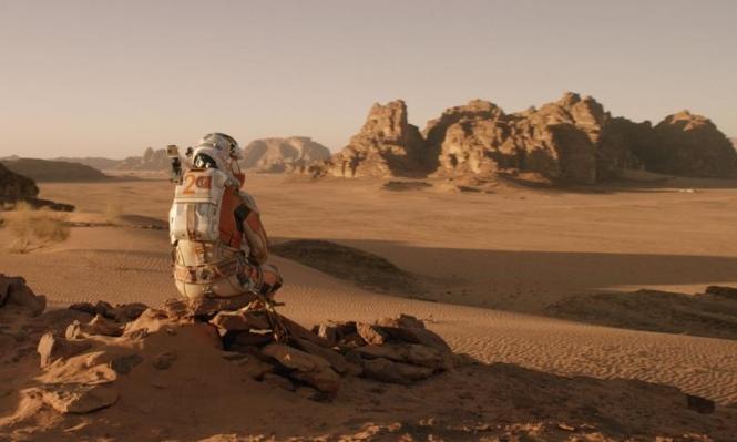 السفر إلى المريخ... رحلة لا بد أن تشمل مهرّجا