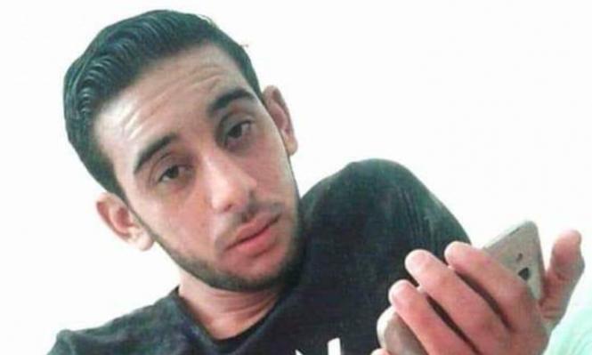 شهيد متأثرا بجراحه بغزة واعتقال 10 فلسطينيين بالضفة