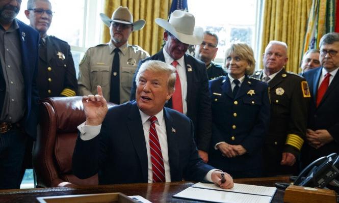 """ترامب يلجا لـ""""الفيتو"""" لبناء الجدار مع المكسيك"""