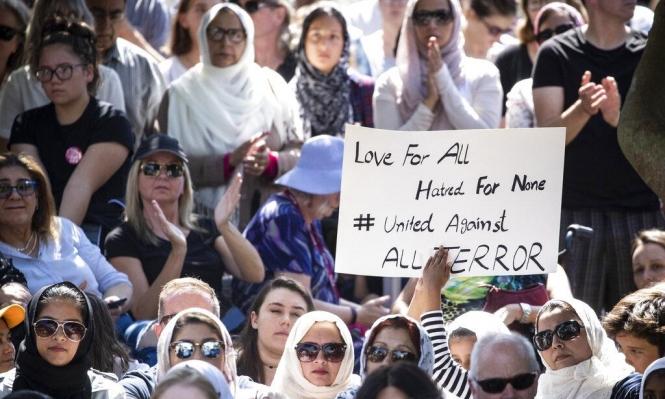 توجيه تهمة القتل للإرهابي الأسترالي ونيوزيلندا تتحضر لدفن الضحايا