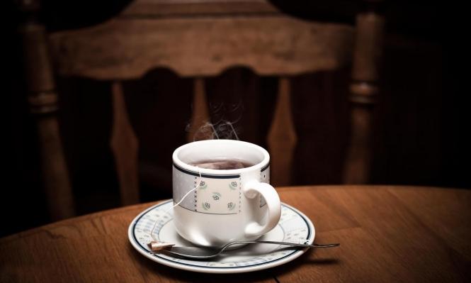 الشاي الساخن يرفع احتمال الإصابة بسرطان المريء بنسبة 90%