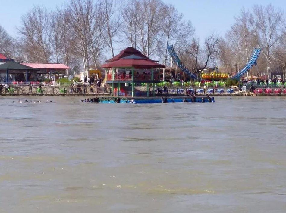 غرق العشرات بانقلاب عبارة في نهر دجلة بالعراق