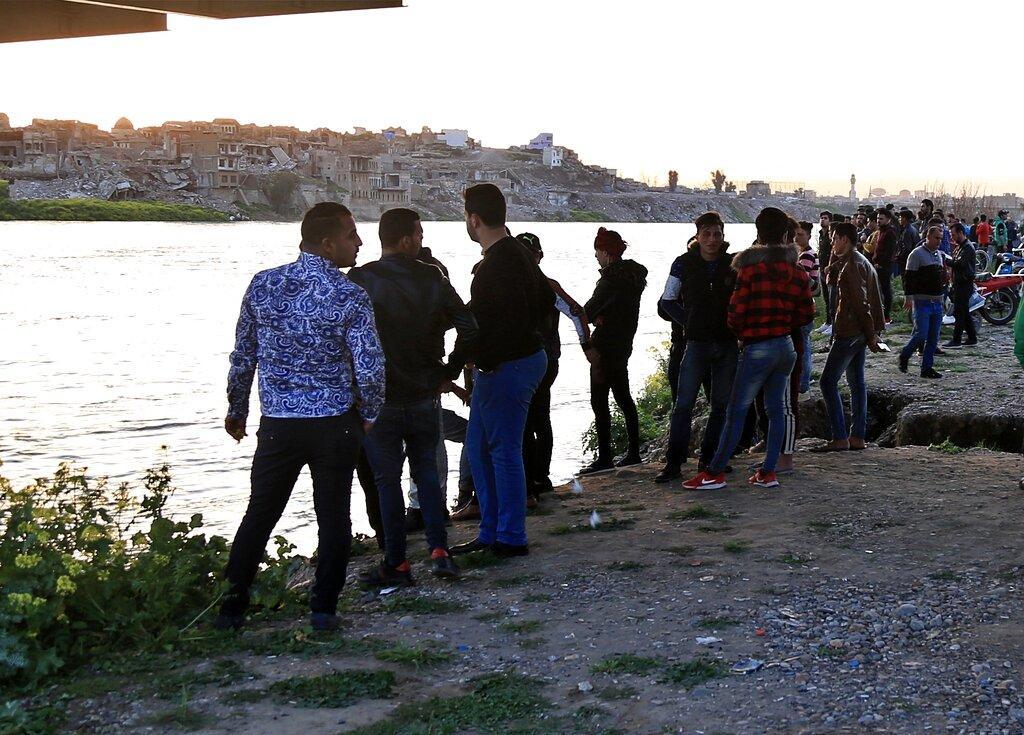 العراق: ارتفاع حصيلة ضحايا غرق العبارة إلى 100 قتيل