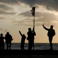 """غزة: """"الإرباك الليلي"""" تصعّد ردا على الحصار وتغوّل الاحتلال"""