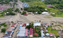 زلزال يضرب إندونيسيا وارتفاع حصيلة الفيضانات إلى 112 غريقا