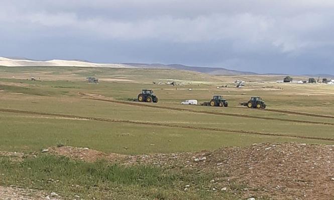 النقب: تجريف أراض زراعية في بلدة السرة