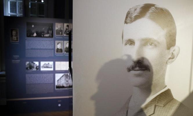 """صربيا: العثور على رسالتين لـ""""مخترع القرن العشرين"""""""